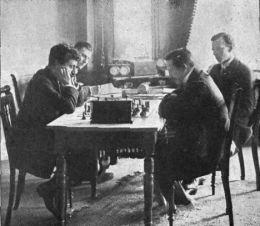 Anand – Gelfand: Remmidemmi op Plattdütsch